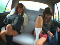【無修正】ギャルJKがタクシー乗車⇒お金ないから体で支払いw