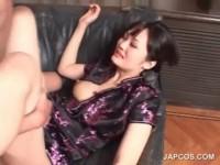 【無修正】チャイナ服の美女をソファーでハメる!!