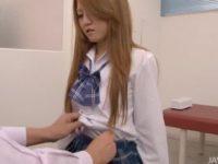 【無修正】ギャルJKを保健室で手マン治療wおマンコぐしょぐしょw