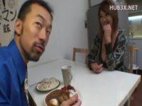 【無修正】コネスケの突撃!隣のマンご飯 巨乳黒ギャル妻のフェラ!!