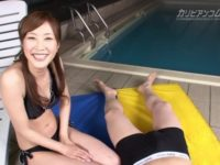 【無修正】巨乳ビキニ美女が例のプールでフェラ!!