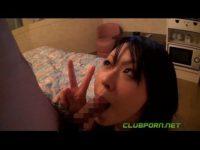 【無修正】素人ギャルのフェラ撮影!!カメラに向かってピースまでw