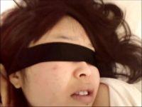【無修正】目隠ししたガチ巨乳素人のフェラ映像