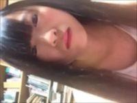 【無修正 ライブチャット】若い素人の女の子が自分のおっぱいを晒すライブチャット♪