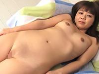 【無修正】ぽっちゃり娘のワレメが長めの完全な1本スジを堪能!桃井亜里砂