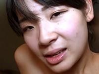 【無修正】純朴で何だかイジメたくなる童顔巨乳娘の膣奥を激突き