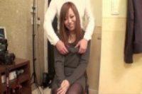 【無修正】初めての動画で緊張気味の茶髪美乳女子とハメ撮り中出し