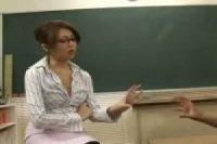 【無修正】不良生徒を更生させるため自分の体を使って大人の授業を始める女教師