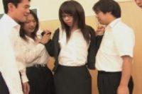 【無修正】思春期の男子校生に体を奪われるメガネ女教師