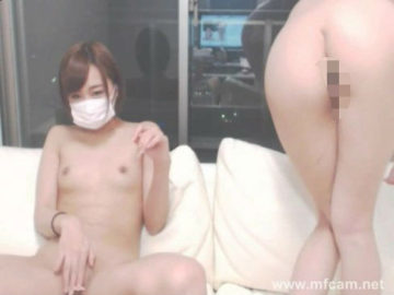 【無修正 ライブチャット】素人娘2人が見せつけ潮吹きオナニー
